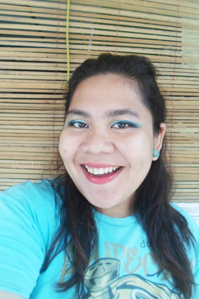 Using Eye Shadow – Sariayu Inspirasi Papua P01 Eye Liner – Sariayu Inspirasi Papua P01 (Biru) Lipstick – Duo Lipstick Sariayu Inspirasi Papua P02
