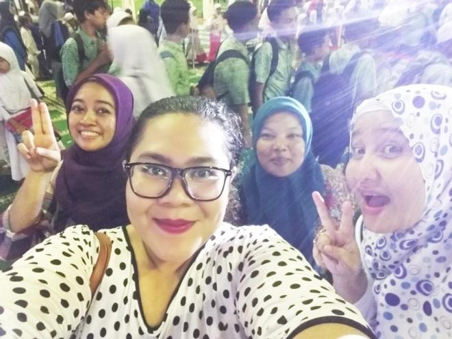 Selfie bareng temen - temen blogger