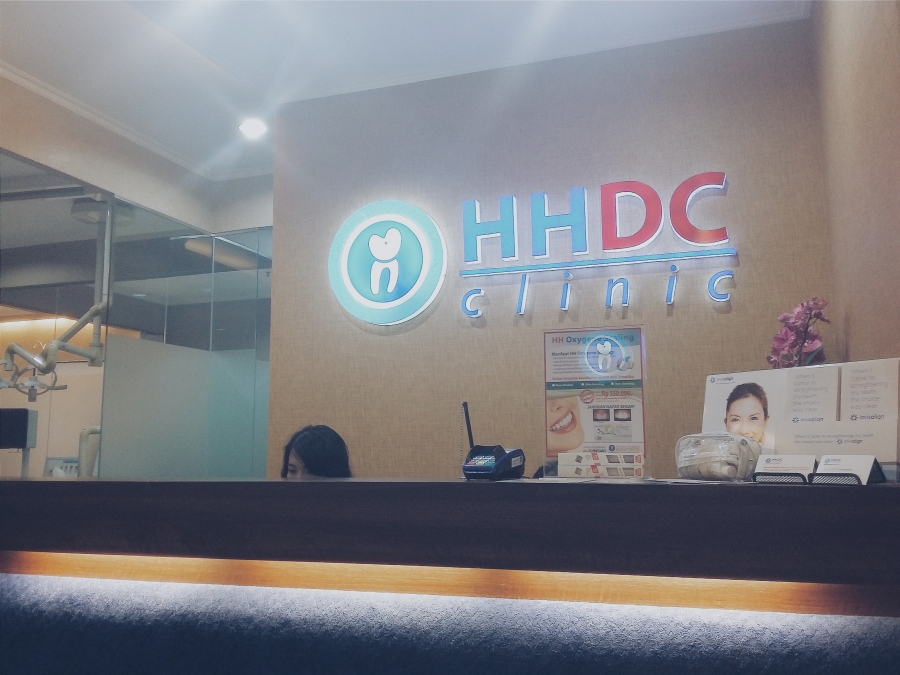 Ruang tunggu HHDC, adem dan nyaman dengan nuansa warna kalem.