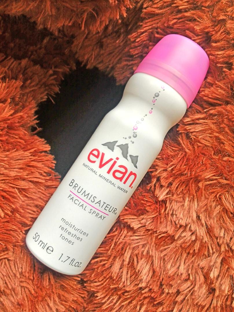 Evian Facial Spray, ukuran 50ml