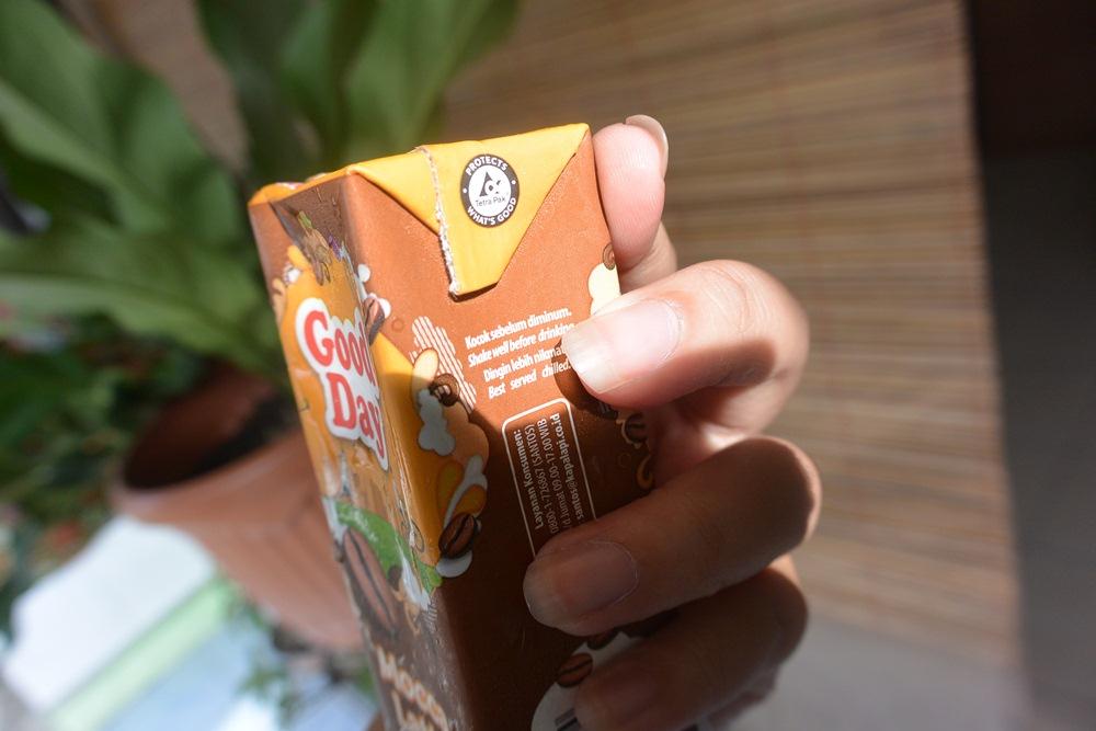 Minuman kemasan karton tetra pak delapankata putrikpm