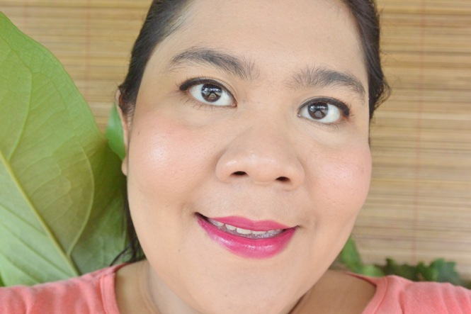Emina Cream Blush Cheeklit Peach After Apply 2