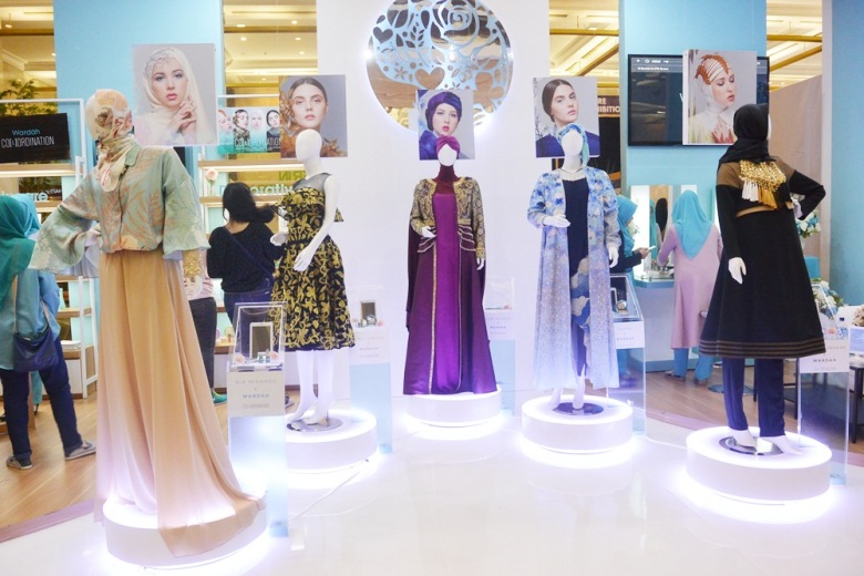 Indonesian Fashion Week by Wardah - Capture Your Moment