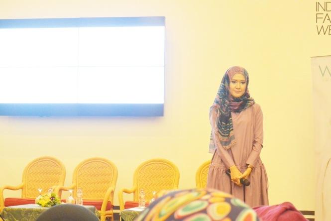 Lulu Elhasbu at Indonesian Fashion Week by Wardah 1
