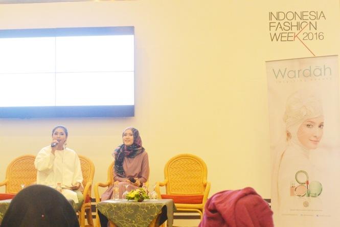 Lulu Elhasbu at Indonesian Fashion Week by Wardah