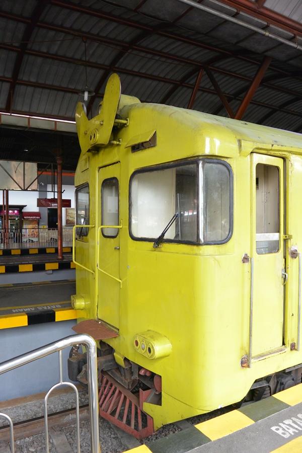 Kereta Api Lokal Prameks, Yogya - Solo