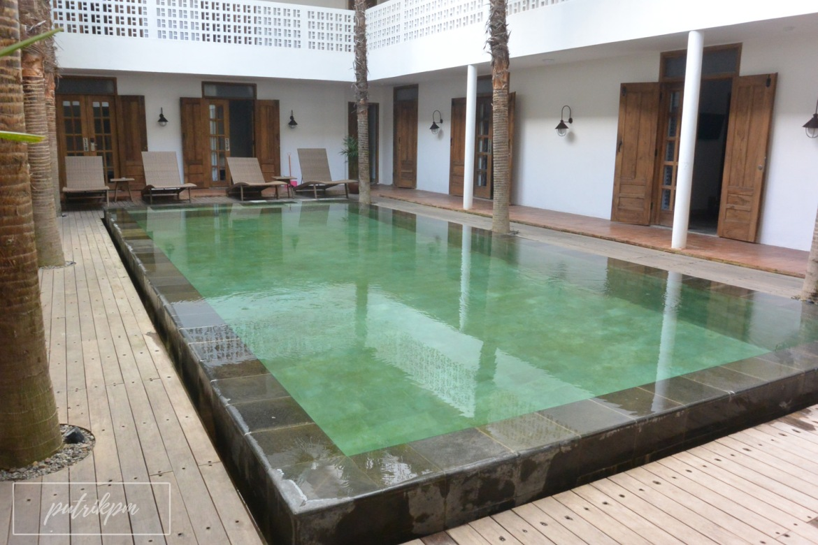 Adhisthana Hotel Suite Upper Ground Room - Delapankata - Swimming Pool 2